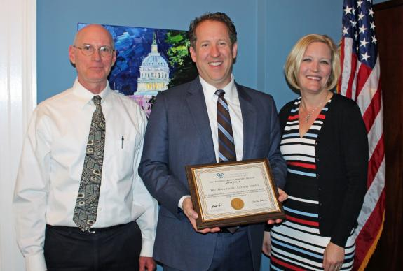 Smith Receives Distinguished Community Health Advocate Award